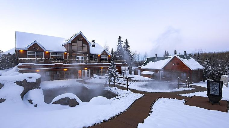 Appalaches Lodge Spa Et Villegiatures Exterior Hotel information