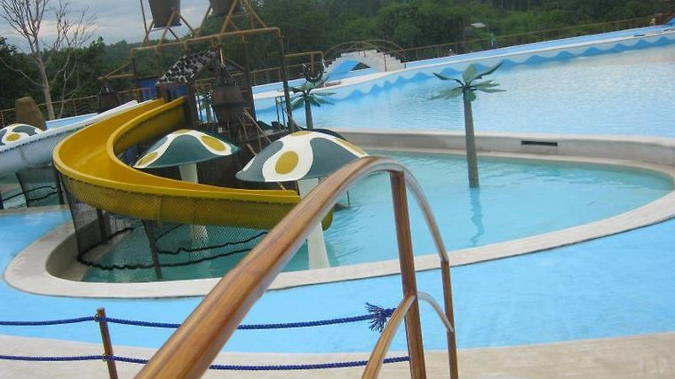 D Leonor Inland Resort And Adventure Park Exterior