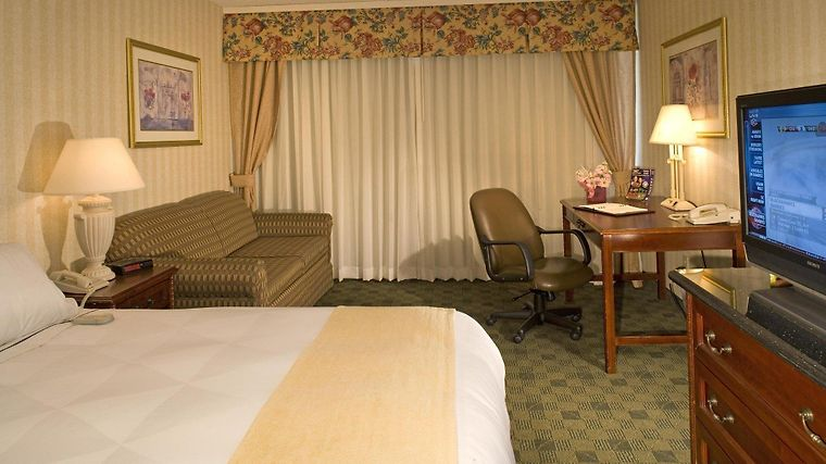 Radisson Hotel And Conference Center Fresno Room