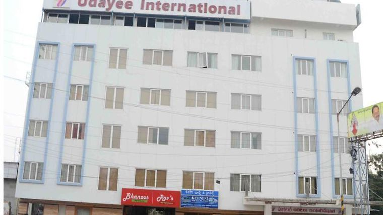 Hotel Udayee International Exterior