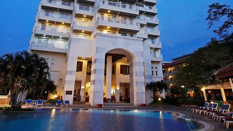 Waterfront Suites Phuket By Centara Exterior