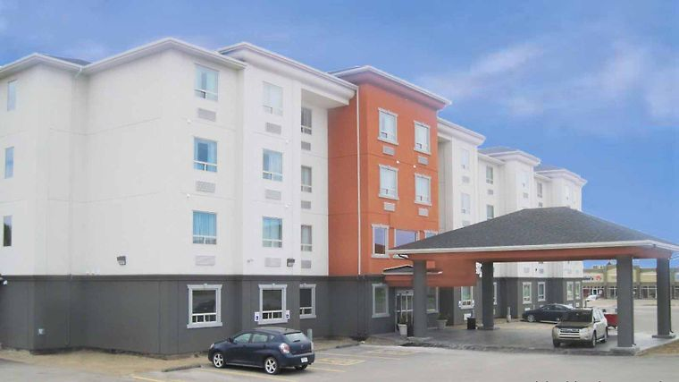 Best Western Plus Estevan Inn & Suites Exterior