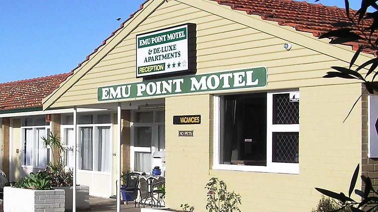 Emu Point Motel Exterior
