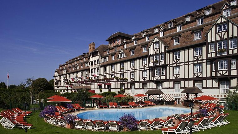 Hotel Du Golf Barriere Exterior