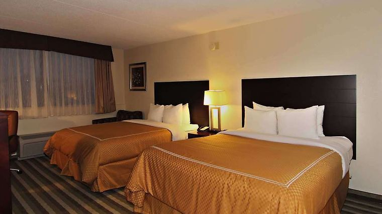 Quality Inn & Suites New York Avenue Room Double Queen