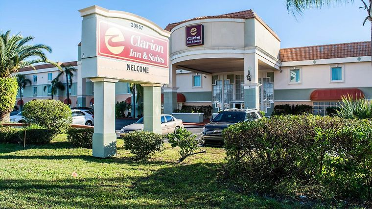 Clarion Inn & Suites Clearwater Exterior