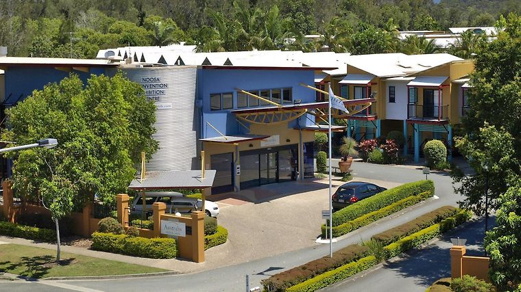 Noosa Lakes Resort Exterior