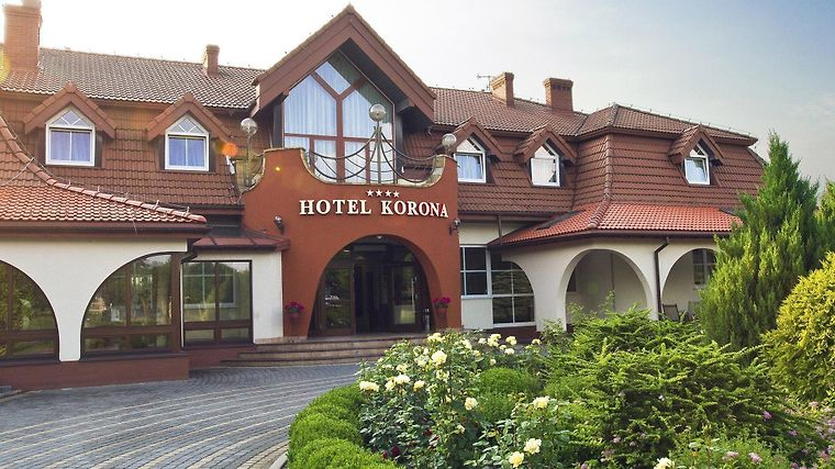 Plus Hotel Korona Spa & Wellness Exterior