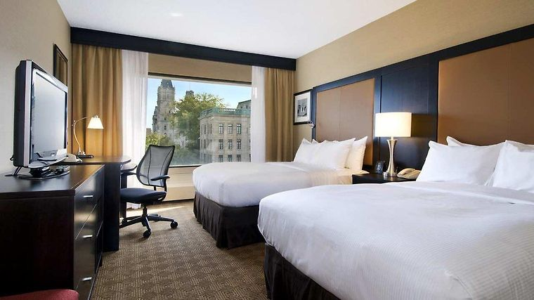 Hilton Quebec Room