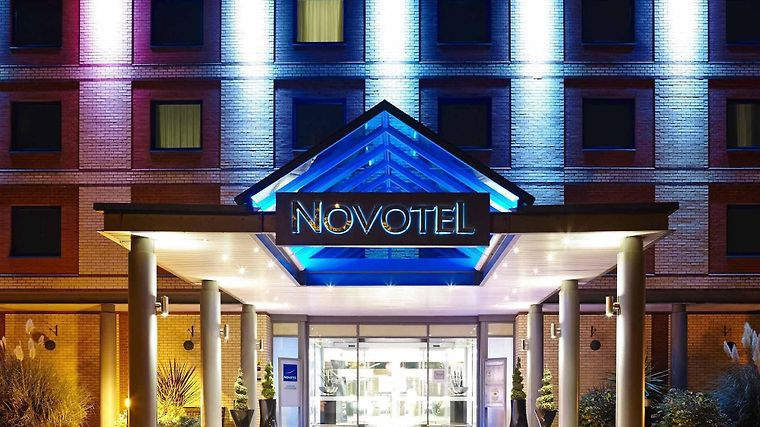Novotel London Heathrow Exterior