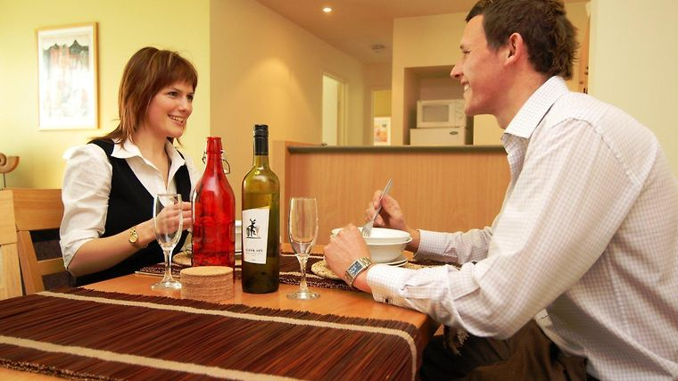 Quest Narre Warren Serviced Apts photos Restaurant