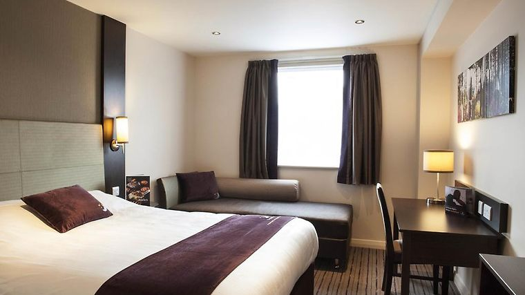 Premier Inn London Elstree Room