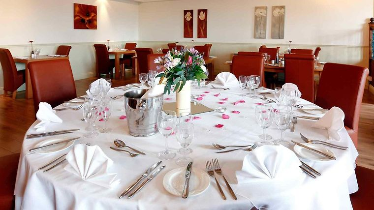 Mercure South Marston Hotel & Spa Restaurant
