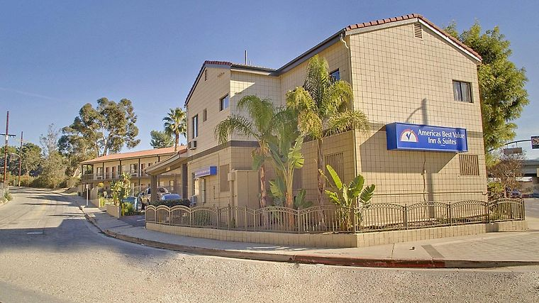Americas Best Value Inn & Suites Exterior