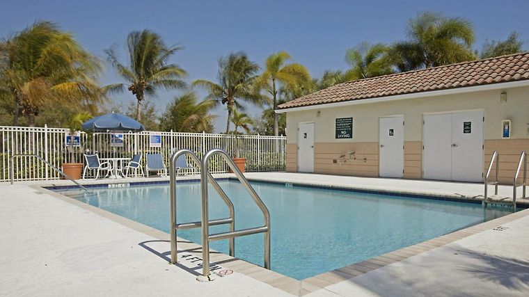 Extended Stay America - Miami - Airport - Doral Exterior