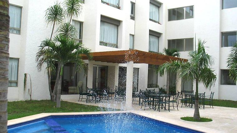 Ambiance Suites Cancun Exterior