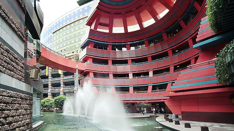 Canal City Fukuoka Washington Exterior