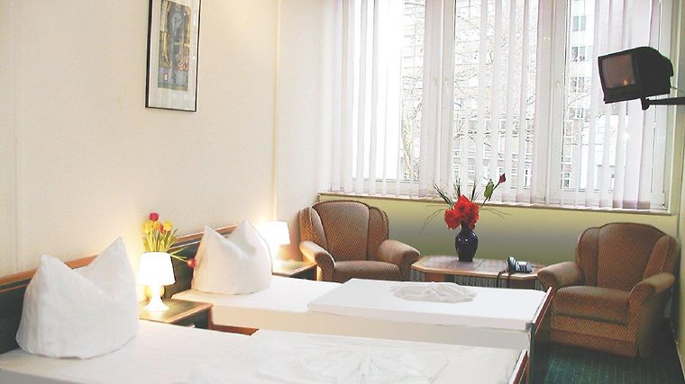 City Hotel Ansbach Room