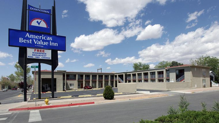 Days Inn Downtown Albuquerque Exterior