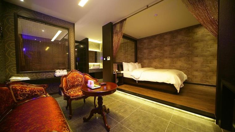 Hotel W1 Room
