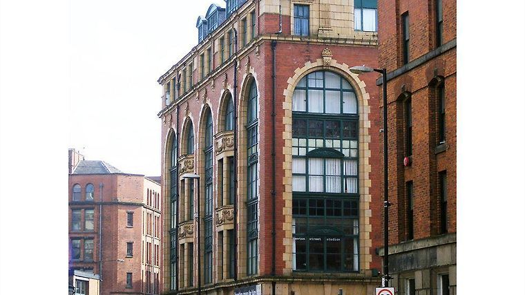 Hatters Hostel Manchester Exterior