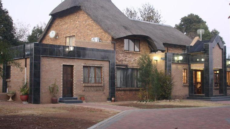Global Village Guesthouse Midrand Exterior