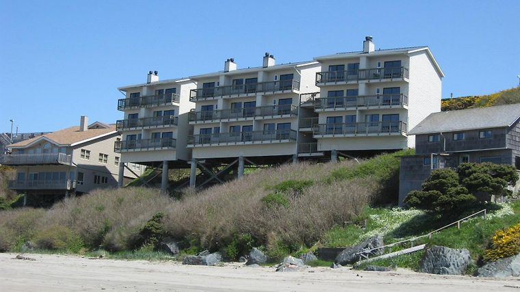 Sunset Oceanfront Lodging Exterior