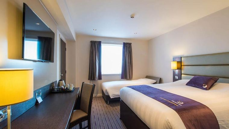 Hotel Premier Inn London City Aldgate Room