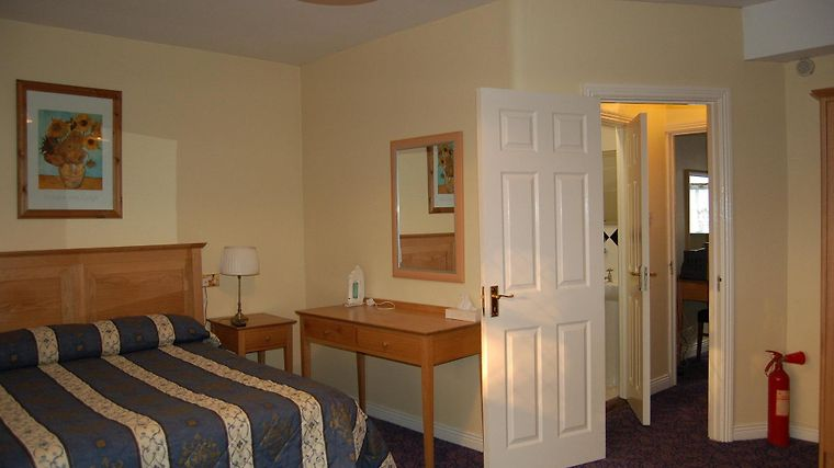 Latchfords Self-Catering Accommodation Room