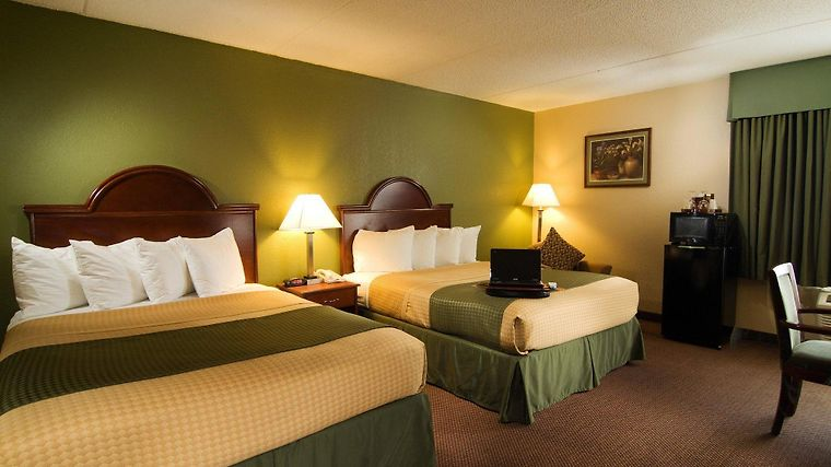 Best Western Luxbury Inn Room