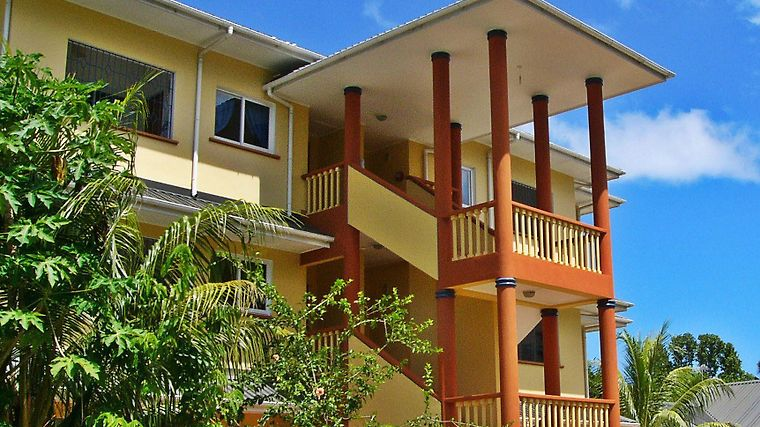 La Villa Therese Holiday Apartments Exterior