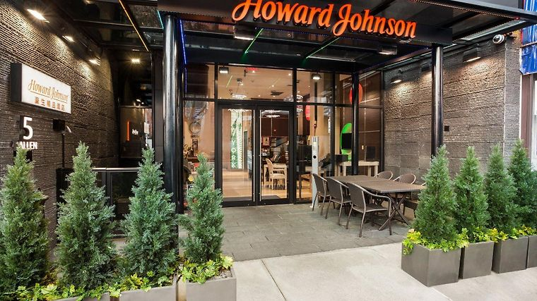 Howard Johnson Manhattan Soho Exterior