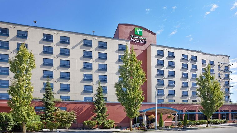 Holiday Inn Express Vancouver Airport Exterior