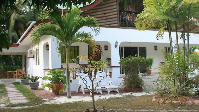 Pension Fidele Guest House Exterior