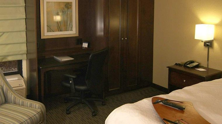 Hampton Inn Knoxville-Airport photos Room