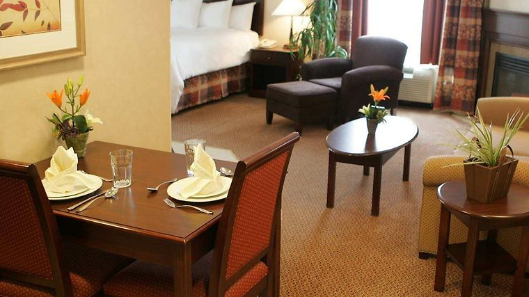 Homewood Suites By Hilton Toronto-Oakville Room