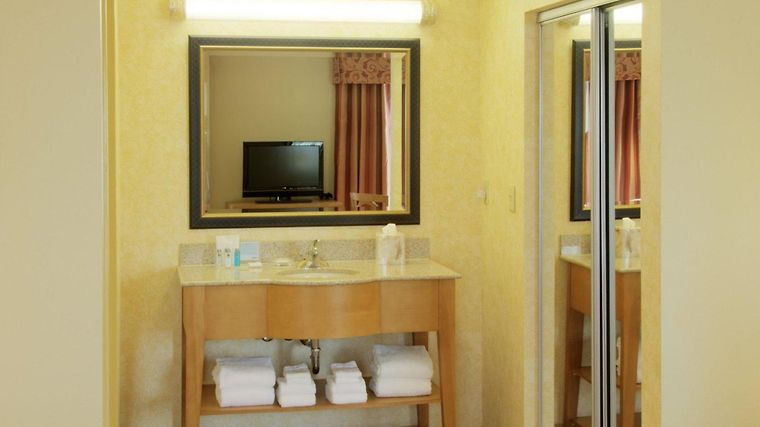 Hampton Inn & Suites Raleigh-Durham Airport-Brier Creek Room