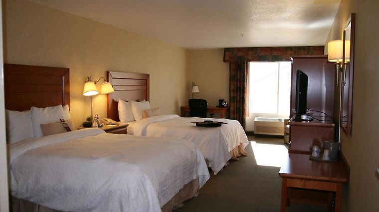 Hampton Inn Idaho Falls Room
