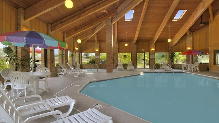 Hotel Baymont Inn Suites Muskegon Mi 2 United States From Us 174 Booked
