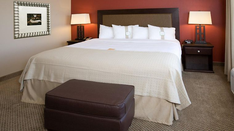 Holiday Inn Hotel & Suites Bakersfield North Room