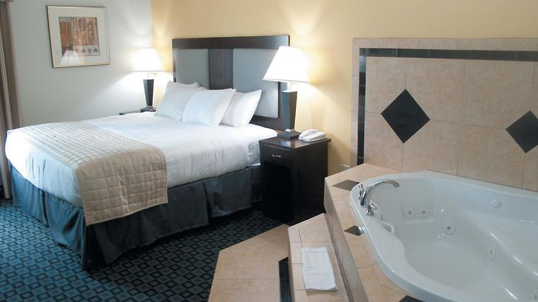 La Quinta Inn & Suites Port Charlotte Room