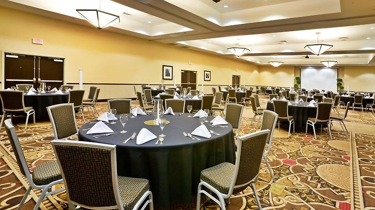 Holiday Inn Hotel & Suites Denton University Area Restaurant