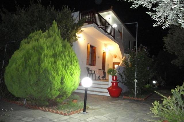 LIOSSIS ROOMS & APARTMENTS SKOPELOS TOWN (Greece) - from US$ 36 | BOOKED
