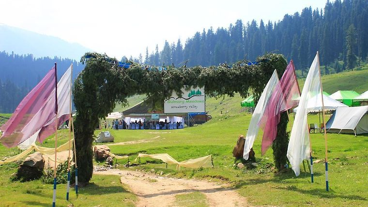 Gulmarg Meadows Resort Exterior Hotel information