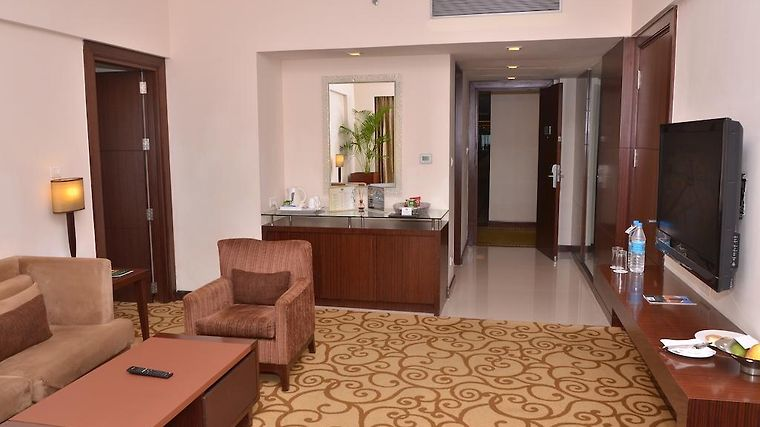 Hotel Country Inn Suites By Carlson East Delhi Ncr Ghaziabad 4 India From Us 78 Booked