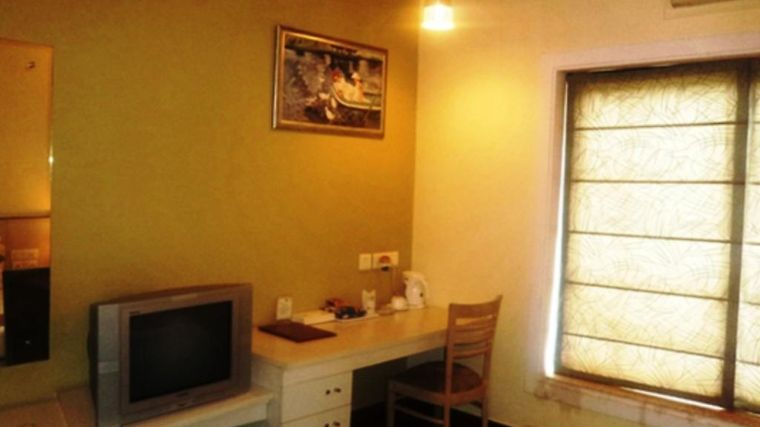 Hotel Park Residency - Greenwood City, Delhi Room