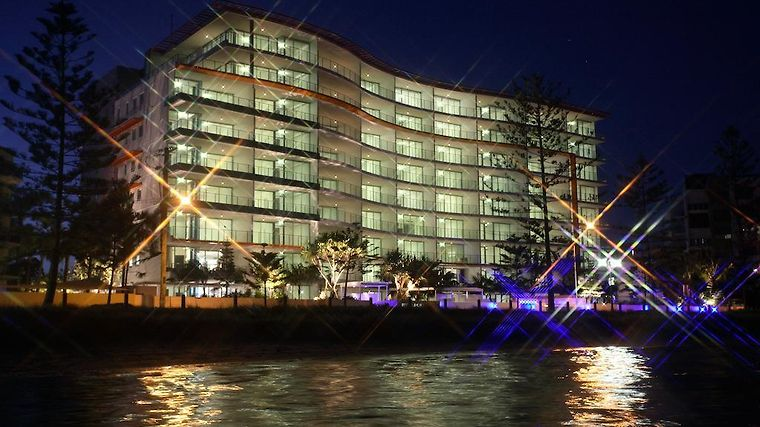 Silvershore Apartments On The Broadwater Exterior Hotel information