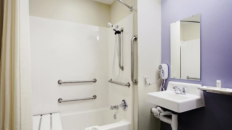 Microtel Inn & Suites By Wyndham Bath Room Hotel information