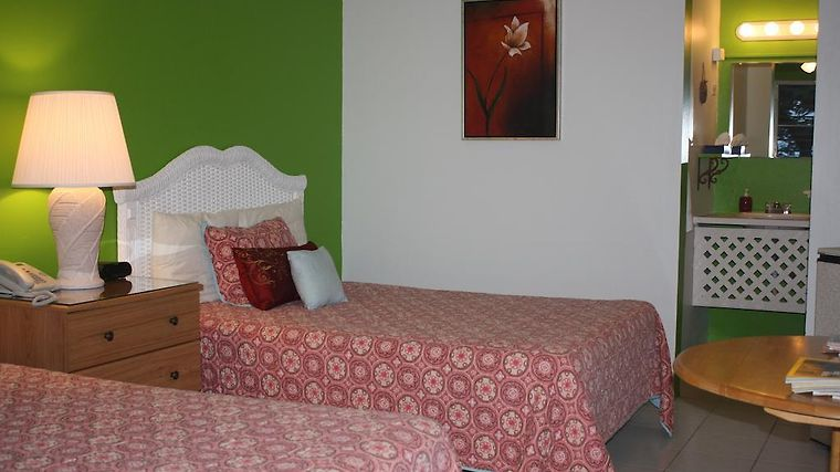 Ceiba Country Inn Room