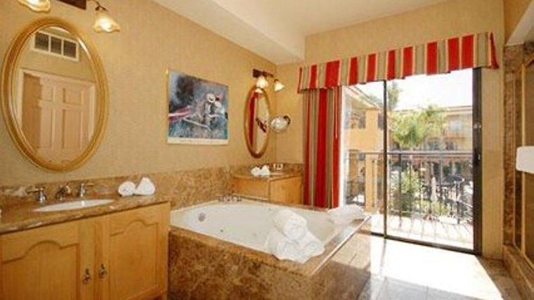Quality Suites John Wayne Airport Room